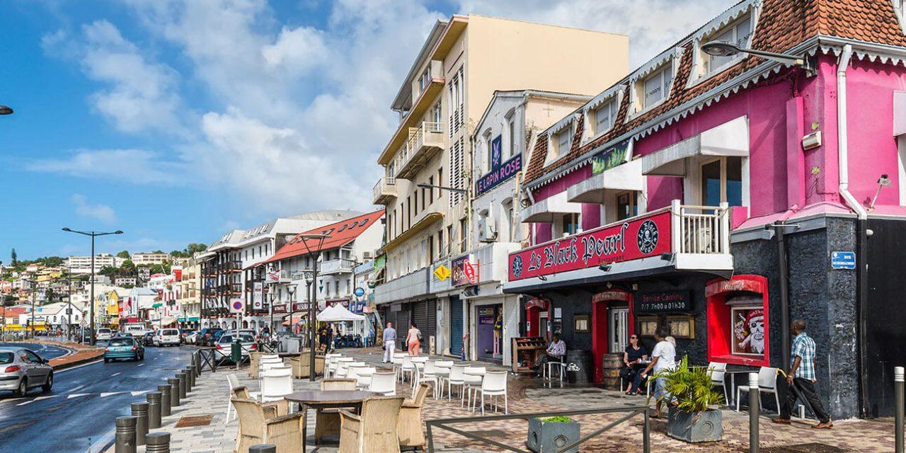 https://active-voyages.fr/wp-content/uploads/2019/05/Fort-de-France-Martinique_Voyage_sur_mesure_voyage_en_famille_active_voyages_Montpellier-1280x640.jpg