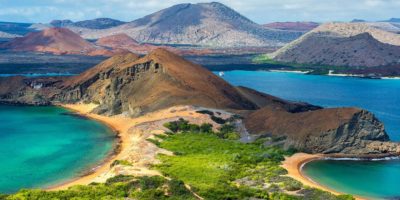 https://active-voyages.fr/wp-content/uploads/2019/05/Vue-de-deux-plages-de-lîle-Bartolome-dans-les-îles-Galapagos-en-Equateur_Voyage_sur_mesure_voyage_en_famille_active_voyages_Montpellier-1280x640.jpg