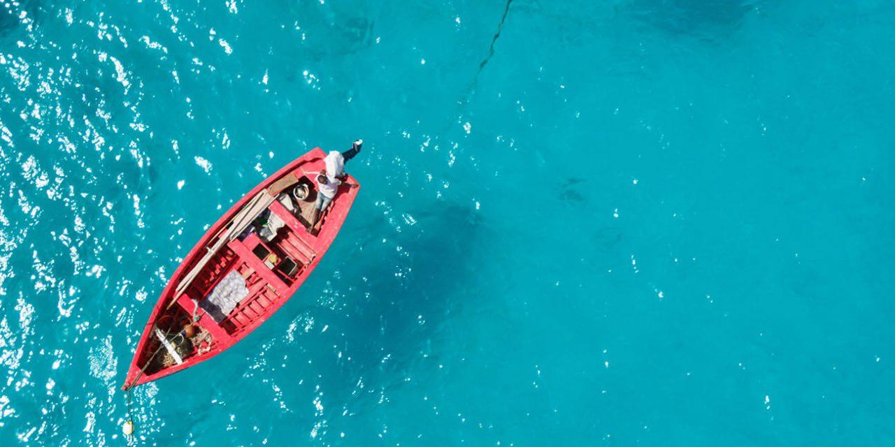 https://active-voyages.fr/wp-content/uploads/2019/06/Bateau-de-pêche-traditionnel-à-Santa-Maria-dans-lîle-de-Sal-au-Cap-Vert-Cabo-Verde_Voyage_sur_mesure_voyage_en_famille_active_voyages_Montpellier-1280x640.jpg