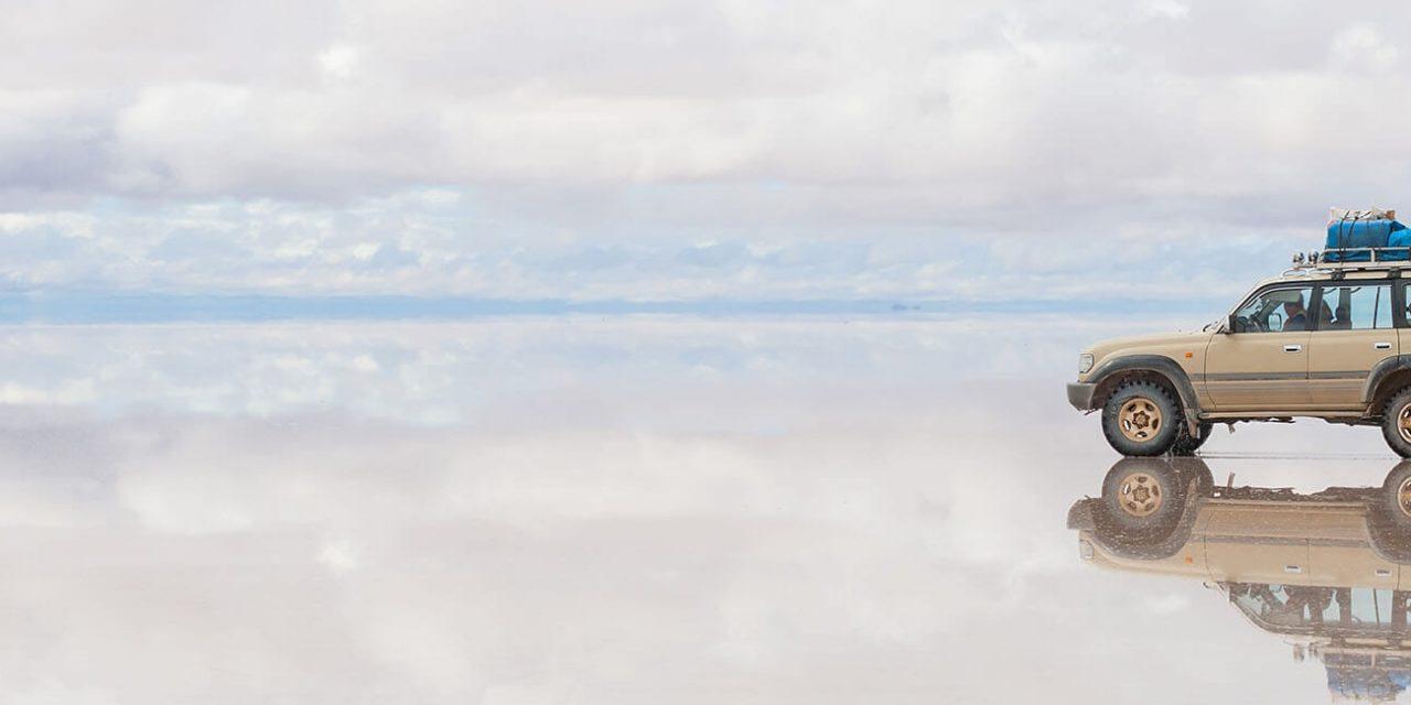 https://active-voyages.fr/wp-content/uploads/2019/06/Car-sur-le-LAC-Salar-dUyuni-en-Bolivie_Argentine_Voyage_sur_mesure_voyage_en_famille_active_voyages_Montpellier-1280x640.jpg