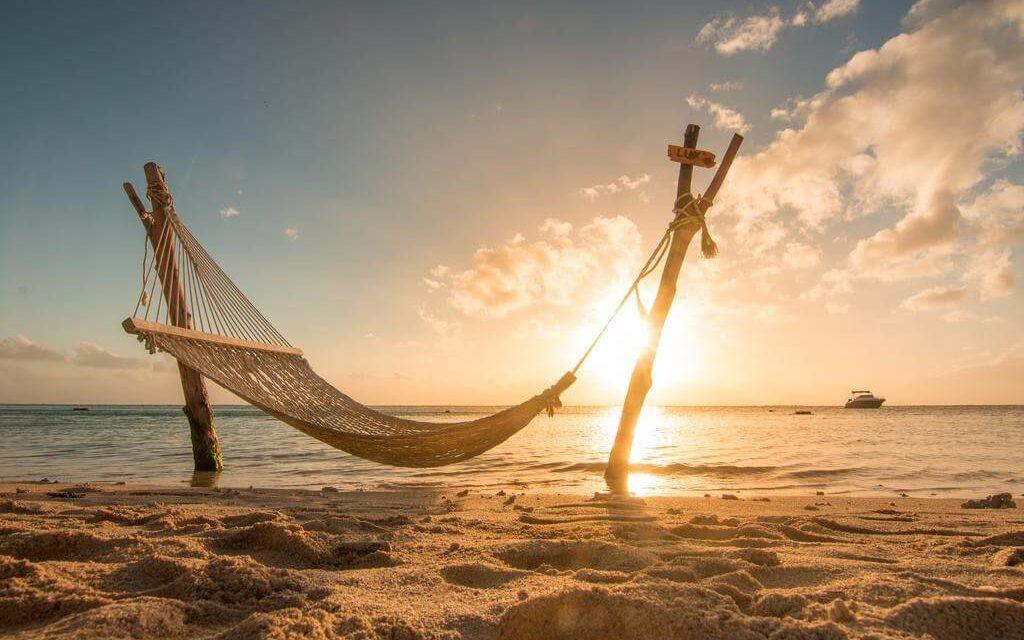 https://active-voyages.fr/wp-content/uploads/2019/09/LUX-Le-Morne-Resort-Ile-Maurice-7-1024x640.jpg