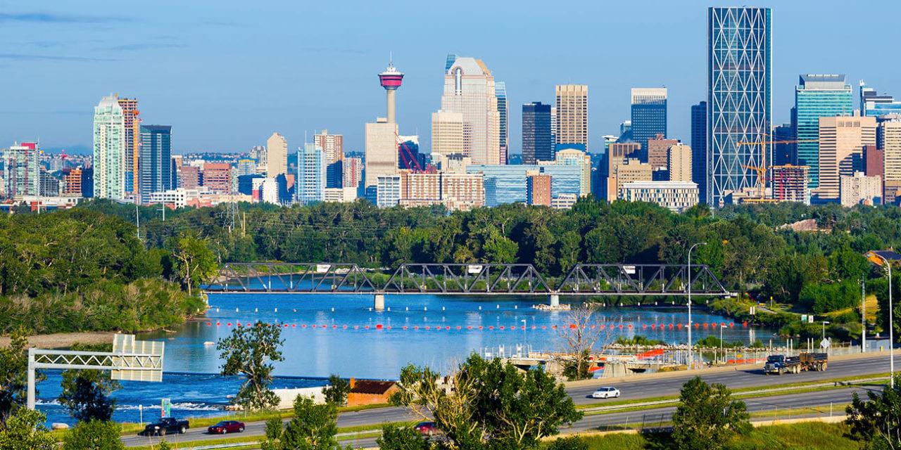 https://active-voyages.fr/wp-content/uploads/2019/12/Gratte-ciel-du-centre-ville-de-Calgary-Canada_Voyage_sur_mesure_voyage_en_famille_active_voyages_Montpellier-1280x640.jpg