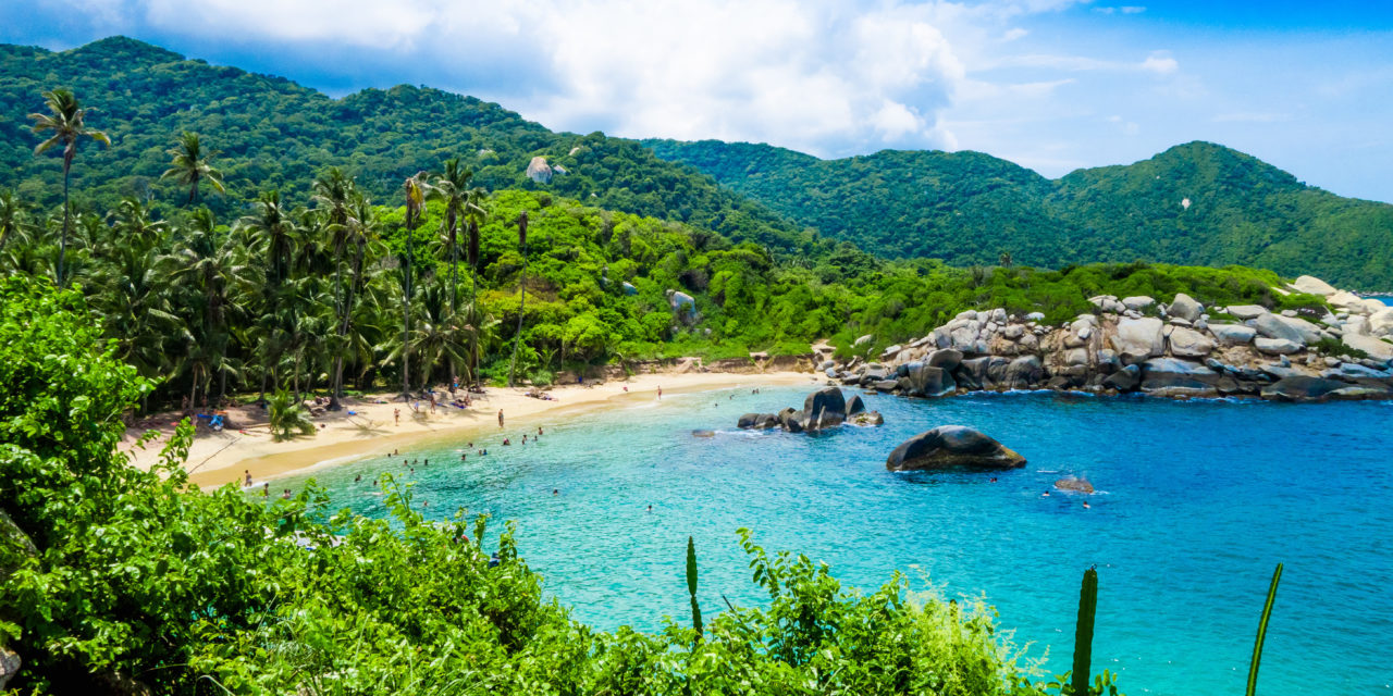 https://active-voyages.fr/wp-content/uploads/2020/02/Belle-vue-sur-la-plage-de-Cabo-San-Juan-parc-national-naturel-de-Tayrona-Colombie-1280x640.jpg