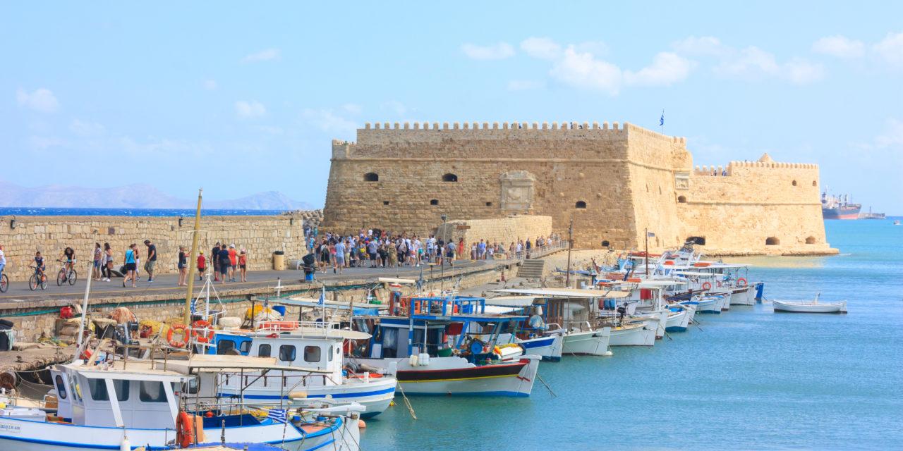 https://active-voyages.fr/wp-content/uploads/2020/02/Fort_Héraklion_Crète_Grèce-1280x640.jpg
