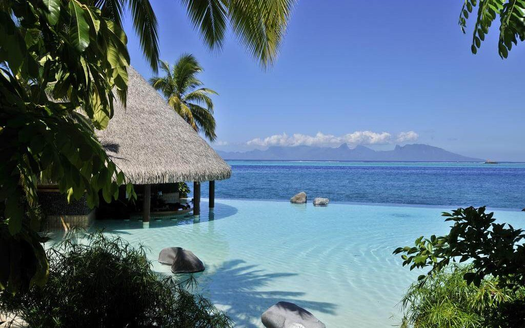 https://active-voyages.fr/wp-content/uploads/2020/02/InterContinental-Tahiti-Resort-Spa-Polynesie-Francaise-1-1024x640.jpg