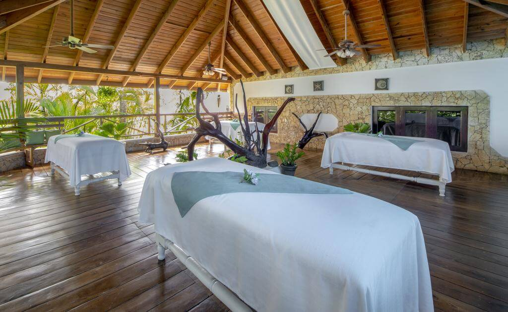 https://active-voyages.fr/wp-content/uploads/2020/02/Occidental-Punta-Cana-All-Inclusive-Resort-Barcelo-Hotel-Group-Newly-Renovated13.jpg