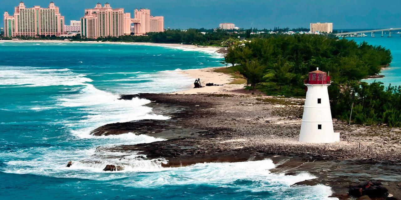 https://active-voyages.fr/wp-content/uploads/2020/02/Stations-de-vue-du-phare-de-Nassau-Bahamas-et-touristique-de-la-ville-1280x640.jpg