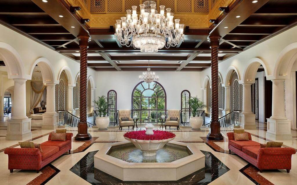 https://active-voyages.fr/wp-content/uploads/2020/02/The-Ritz-Carlton-Dubaï-Émirats-arabes-unis2-1024x640.jpg