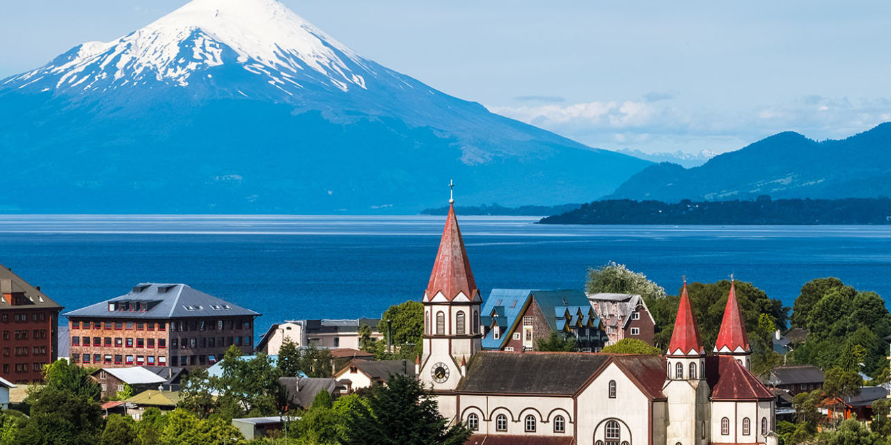 https://active-voyages.fr/wp-content/uploads/2020/02/Town-of-Puerto-Varas-with-volcano-Osorno-1280x640.jpg