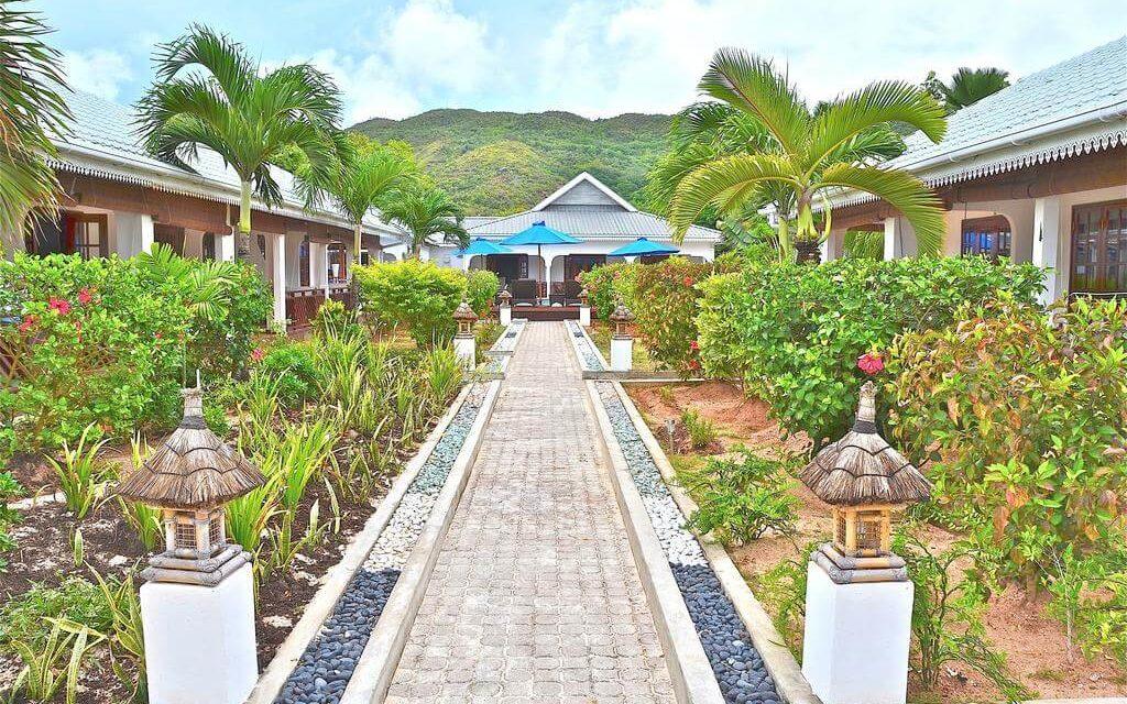 https://active-voyages.fr/wp-content/uploads/2020/02/Villas-de-Mer-Seychelles-10-1024x640.jpg
