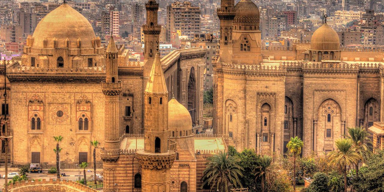 https://active-voyages.fr/wp-content/uploads/2020/02/Voir-des-Mosquées-de-Sultan-Hassan-et-Al-Rifai-au-Caire-Egypte-1280x640.jpg