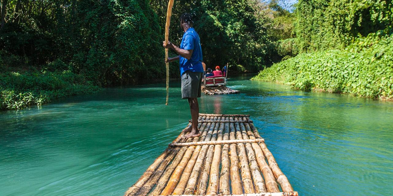 https://active-voyages.fr/wp-content/uploads/2020/02/descente-du-rio-grande-sur-des-radeaux-de-bambou-Jamaique-1280x640.jpg