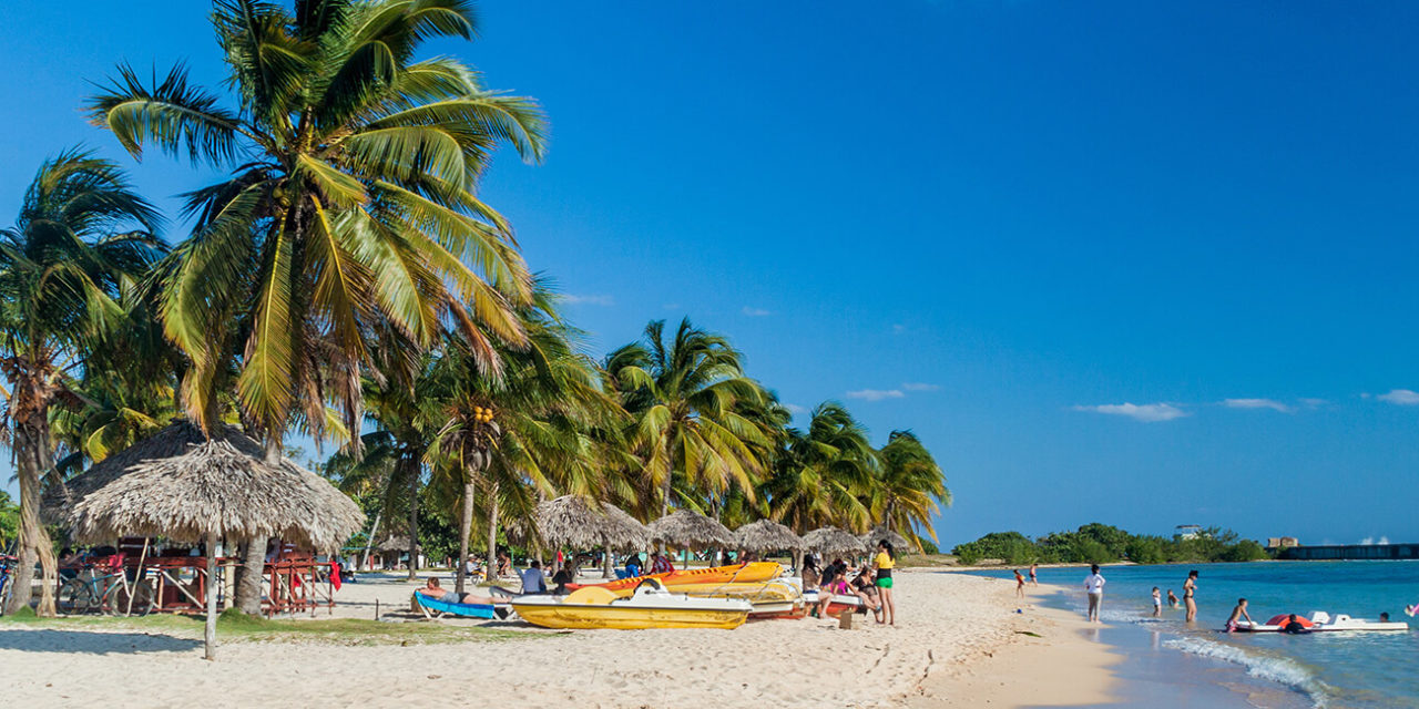 https://active-voyages.fr/wp-content/uploads/2020/02/la-plage-Playa-Giron-Cuba_-linvasion-de-Bay-of-Pigs_Varadero_Amerique_Centrale_Voyage_cousu_main_voyage_sur_mesure_voyage_en_famille_active_voyages_Montpellier-1280x640.jpg