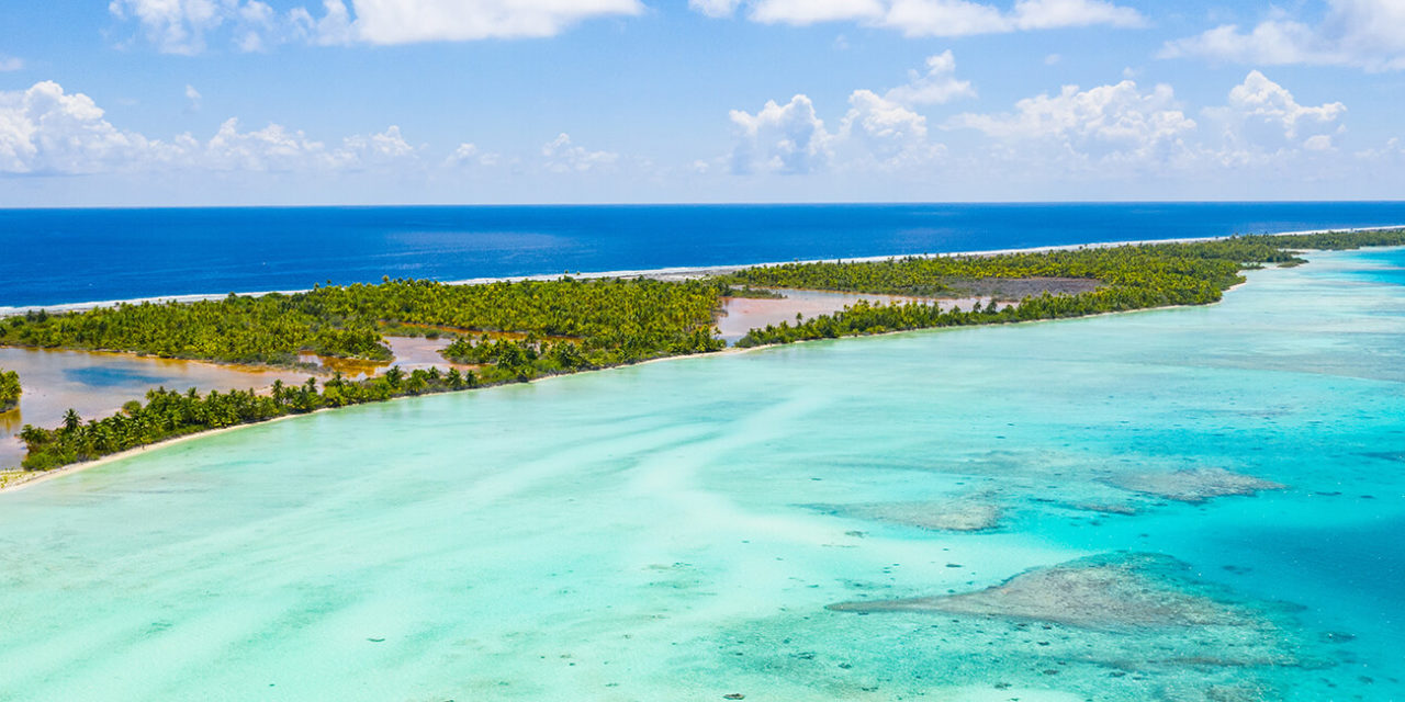 https://active-voyages.fr/wp-content/uploads/2020/03/Polynesia-Tahiti-Fakarava-atoll-and-famous-Blue-Lagoon-and-motu-island-with-perfect-beach-coral-reef-and-Pacific-Ocean.-Aerial-Tropical-travel-paradise-in-Tuamotus-Islands.-polynesie-francaise-1280x640.jpg