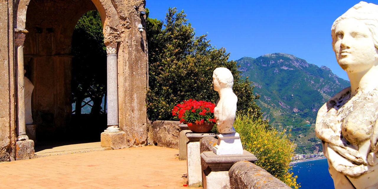 https://active-voyages.fr/wp-content/uploads/2020/03/Terrasse-de-lInfini-au-dessus-de-la-côte-dAmalfi-Ravello-Italie-1280x640.jpg