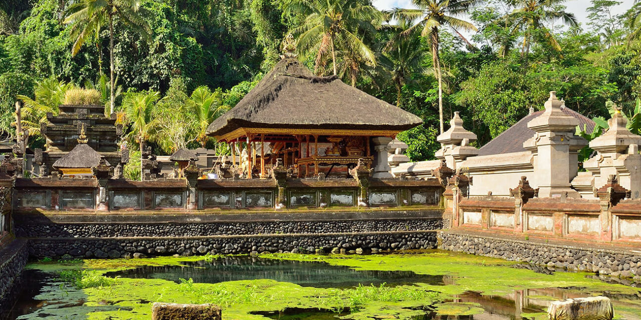 https://active-voyages.fr/wp-content/uploads/2020/03/Tirta-Empul-temple-à-Bali-Indonésie-1-1280x640.jpg