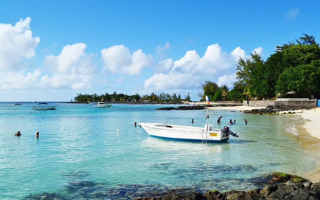 https://active-voyages.fr/wp-content/uploads/2020/04/flowers_of_paradise_pereybère_mauritius1.jpg