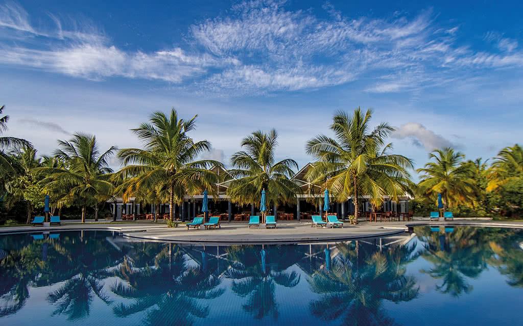 https://active-voyages.fr/wp-content/uploads/2020/04/furaveri_island_resortspa10.jpg