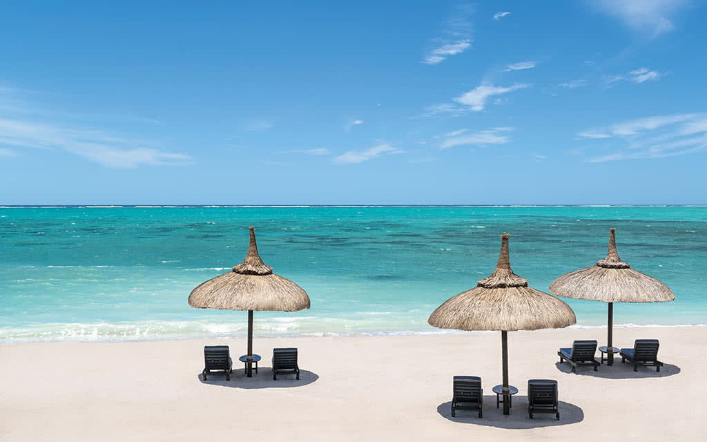 https://active-voyages.fr/wp-content/uploads/2020/04/shangri-las_le_touessrok_resortspa_mauritius6.jpg